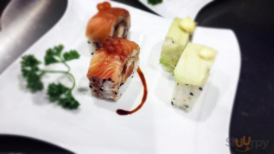 Sen Sushi & Noodles