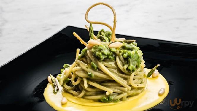 Spaghetti e asparagi selvatici di bosco