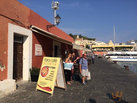 IL Faro Cafe