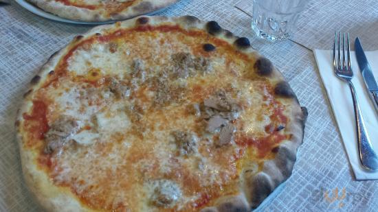 Pizza al tonno e 4 stagioni
