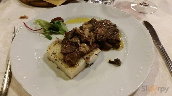 la carne si taglia come il burro, ottimi i funghi