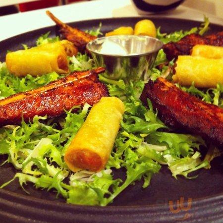 China Town, mini involtini primavera e gustoso pollo speziato