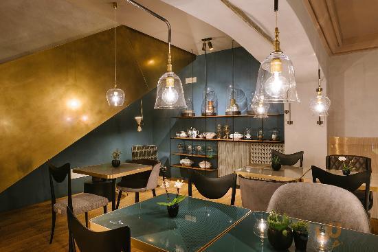 Cannavacciuolo Cafe & Bistrot