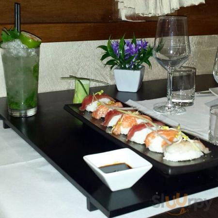 A tutto Sushi.