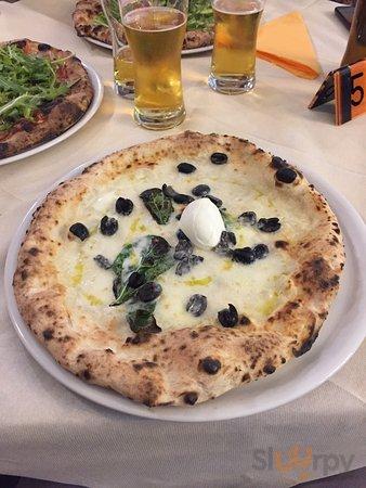 Bufala bianca e olive nere \ud83d\ude0d