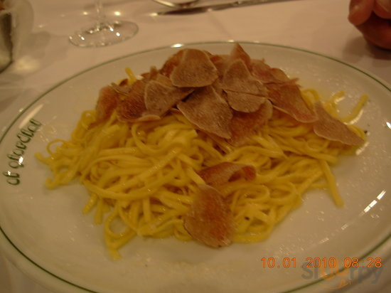 White truffle over pasta... molto delizioso!