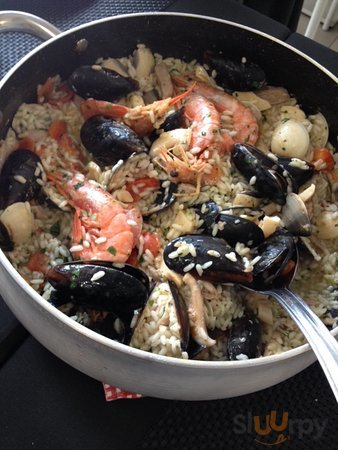 Risotto aux fruits de mer (moules, coquillages, gambas, calamars)