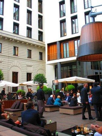 Bulgari Hotel, Garden