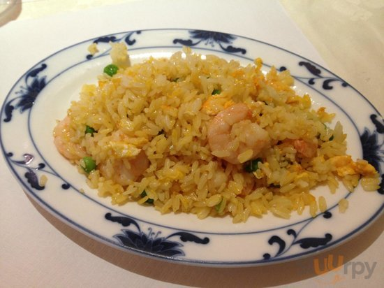 Chinese rice with shrimps
