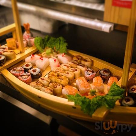 80cm of sushi