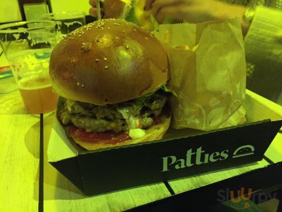 Doppio hamburger e patatine