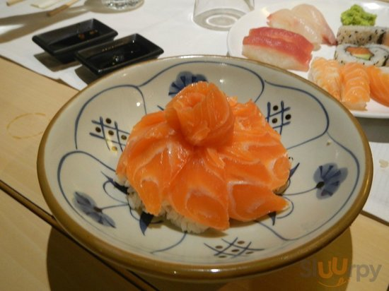 Chirashi al salmone\r\n