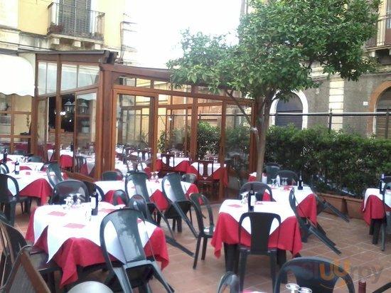 Pizzeria A Casa D'Amici Di Giuffrida Antonino