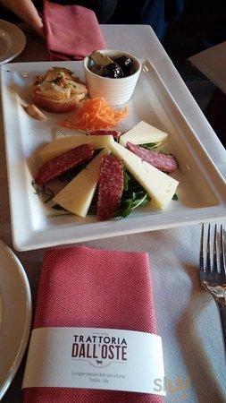 Antipasto con salsiccia di Cinghiale, pecorino di Pienza, sott'olio funghi Porcini, Melanzane ec