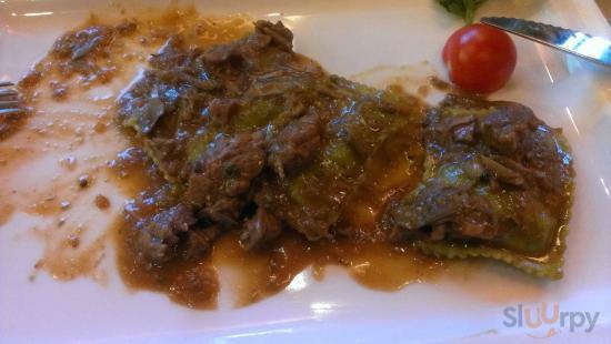 Ravioli spinaci e ricotta con stinco di manzo stufato