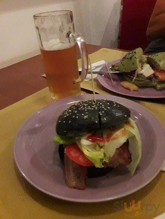 Hamburger pane nero