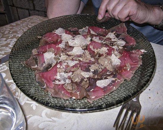 Carpaccio with Fresh Truffles