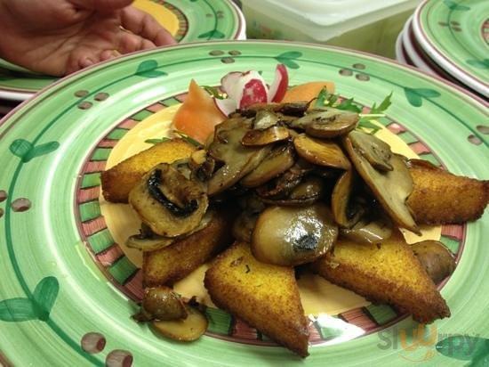 Polenta con Funghi Champignon