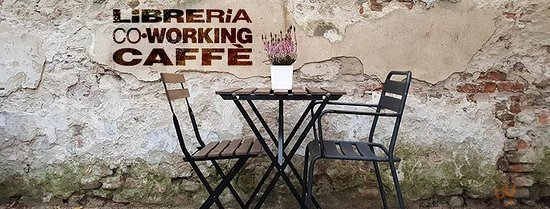 Sit 'N' Breakfast: libreria, coworking, caffè