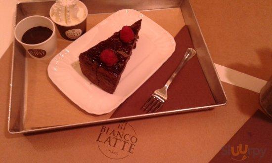 Bianco Latte a Milano - Menù, prezzi, recensioni del ristorante