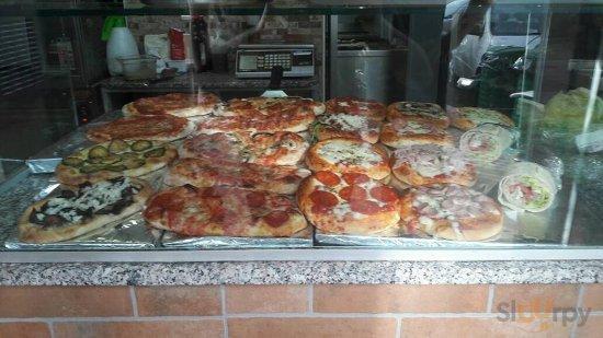 "Vari gusti per i nostri \""pizzotti\"" e le nostre \""superminipizze\"""