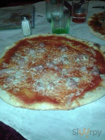 pizza con cipolla & salsiccia