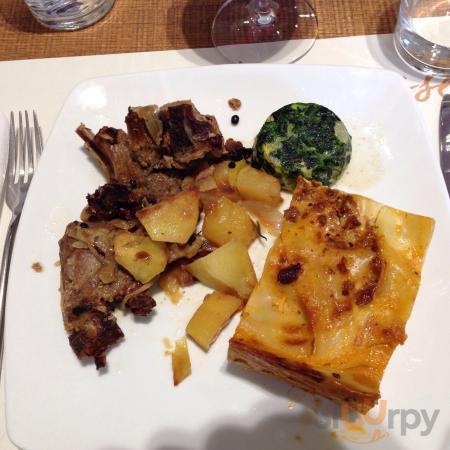 Agnello con contorni e lasagne (brunch pasquale)
