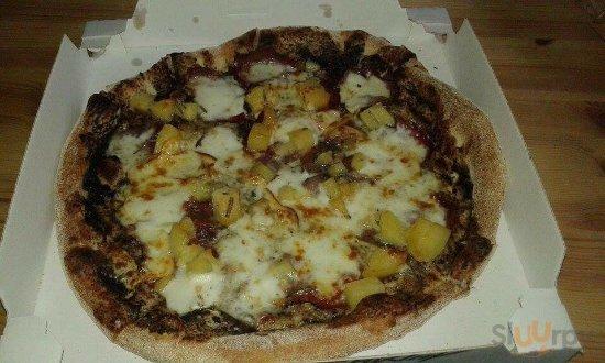 Pizza SPECIAL ONE (tartufo,bufala,patate e speck)\nPizza TROPEA (cipolla di Tropea, mozzarella, p