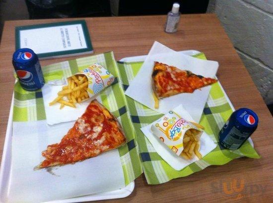 Pizza Margherita e patatine fritte