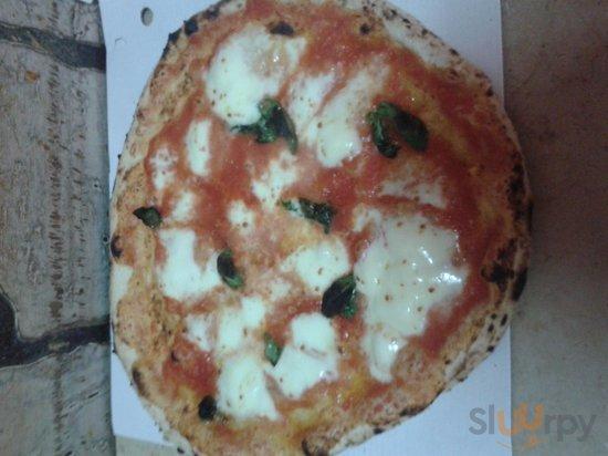 la vera pizza di Mario \u00e9 questa! Pizzeria al punto giusto . Vi aspettiamo!