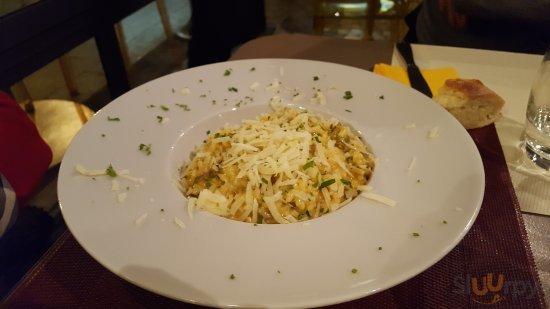 Al Viale Ristorante Pizza Lounge Bar