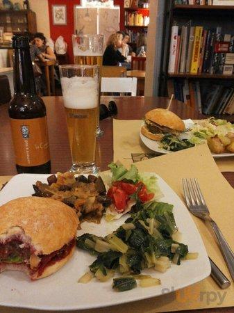 Hamburger vegetariano e non per pranzo!