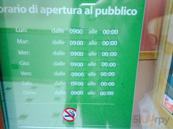 8\/5\/2014: se questi sono gli orari non si dovrebbero rispettare? O i pavimenti si lavano un'ora