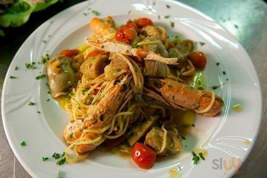 spaghetti o linguine ai frutti di mare