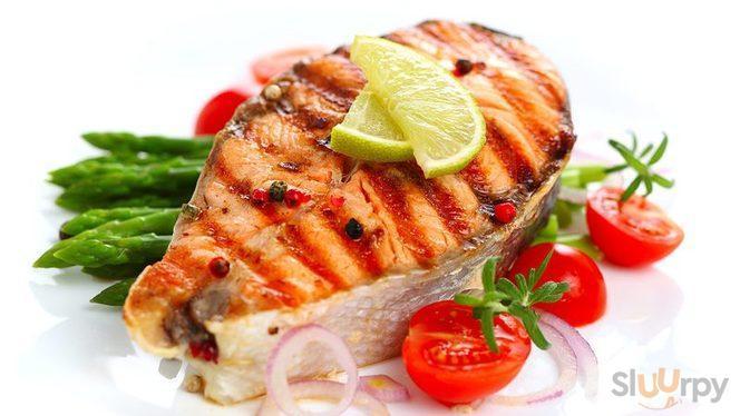 gustoso salmone alla piastra