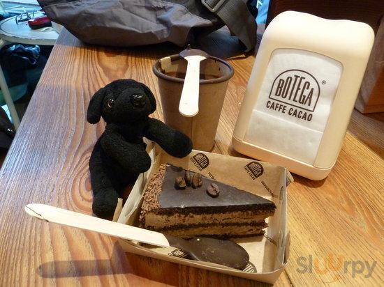 CIoccolato and cake... yum!