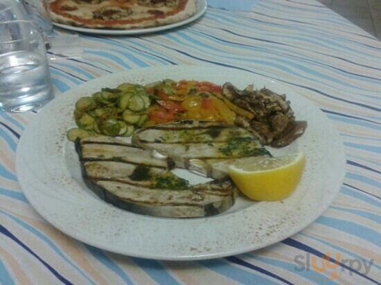 pesce spada con verdure grigliate