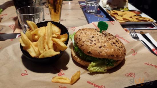 Maxxxi burger