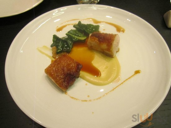petto e coscia di pollo su purea di patate