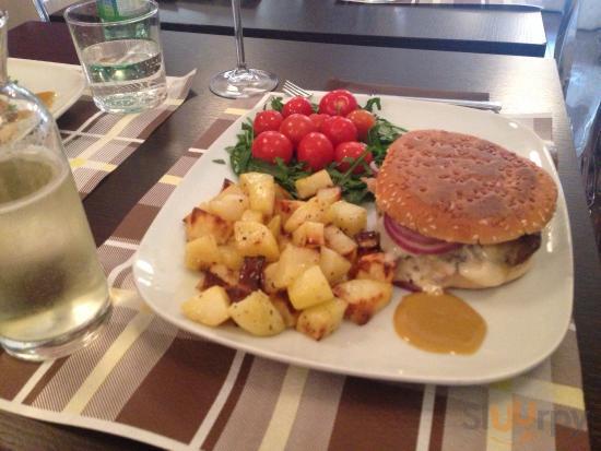 L'Hamburger Esse nel panino!!!