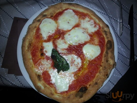 Pizzeria Fornito Mena