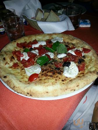 Pizza Caprese\r\n