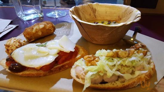 bruschetta puttanesca di baccal\u00e0 e bruschetta humus di ceci, verza croccante e noci