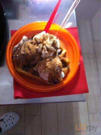 Venite a provare il waffel con nutella,gelato e panna!!!
