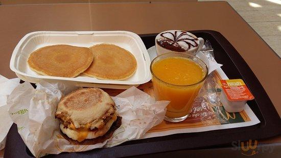 plum cacke e hamburger