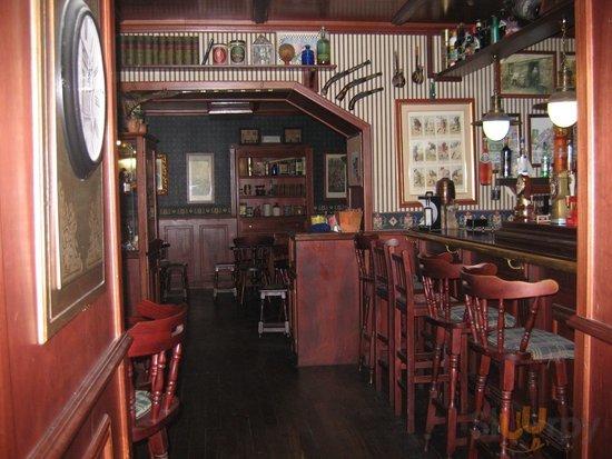 Simon Pub