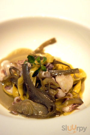 Taglerieni with baby squid and artichokes.