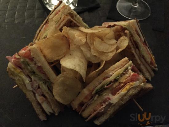 Club-sandwich gustosi ed economici. uno basta per 3!!!!
