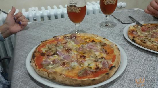 Pizzeria New Moon