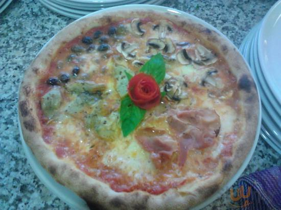 Pizza in Piazza da Miki